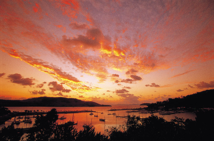 Sunset on the Hamilton Island Boat Harbour - Picture Tour